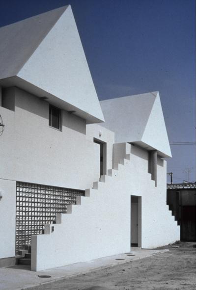 Aida-Doi-Architects.toy.block.house.1979